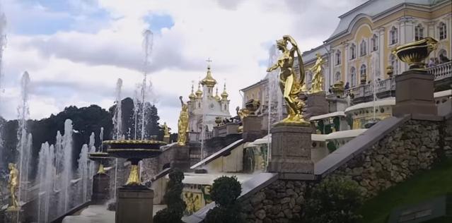Un recorrido por el palacio de Peterhof en San Petersburgo