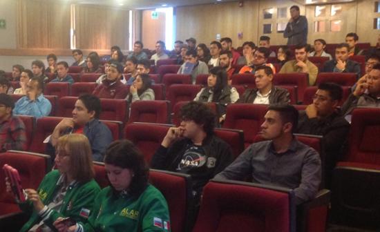 Conferencia UNAM Kosmos sobre espacio y tecnología