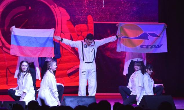 Estudiantes de la Universidad Aeroespacial de Samara en una representación teatral