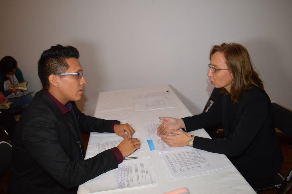 Respecto a la certificación de los estudiantes, el primer día se aplicaron los exámenes escritos y segundo día los exámenes orales