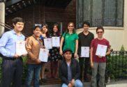Natalia Smirnova, representante de ALAR en México, con algunos de los estudiantes del Instituto Politécnico Nacional que participaron en la declamación de poesía y quienes recibieron un diploma por ello