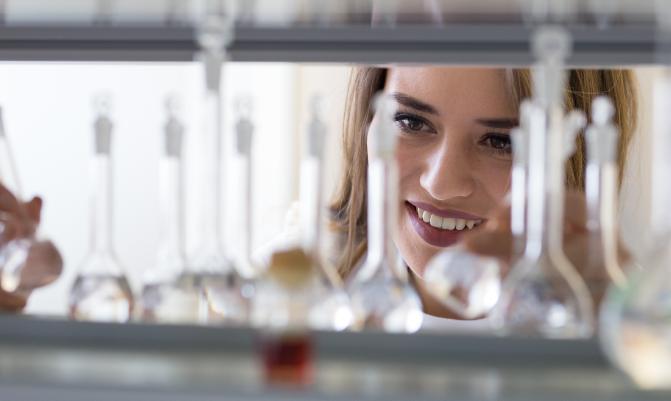 ¿Cuáles son las áreas de especialización para un ingeniero químico en Rusia?