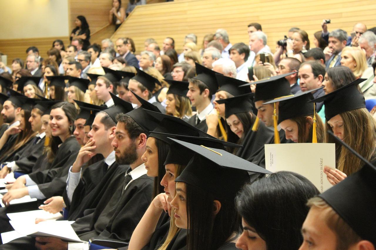 5 beneficios de tener un diploma universitario ruso